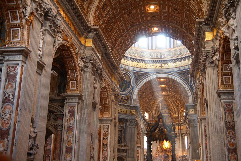 Най-голямата църква в света, както и известно произведение на ренесансовата архитектура.