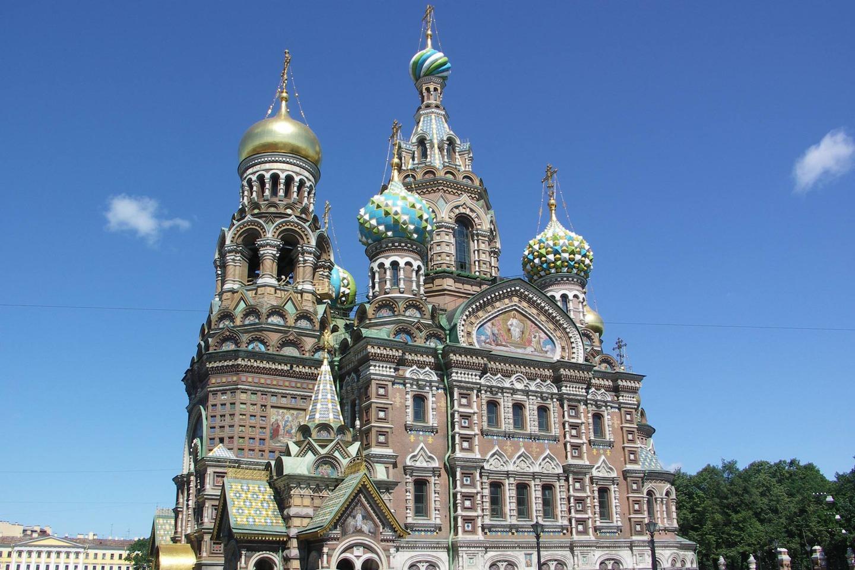 Построен между 1883 и 1907 г. в чест на император Александър I
