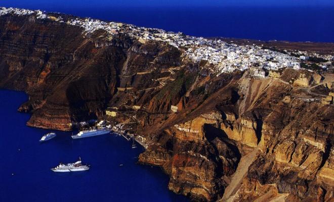 Greece_Santorini_Caldera_Fira