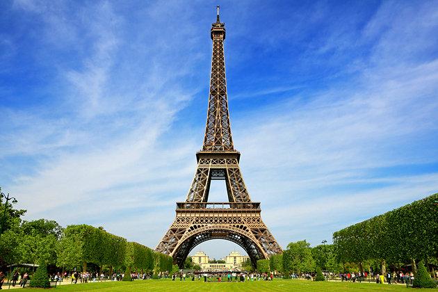 324-метровият символ на Париж, годишно се посещава от 7 милиона туриста.