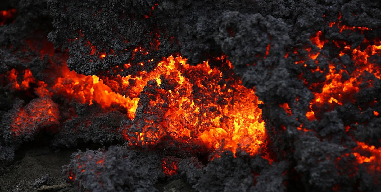 Лваата на вулкана в близък план, 01.09.2014