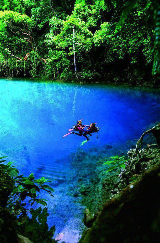Blue Hole – Espiritu Santo, Vanuatu