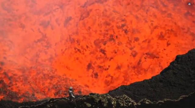 Explorer-Dives-into-an-Active-Volcano-640x357