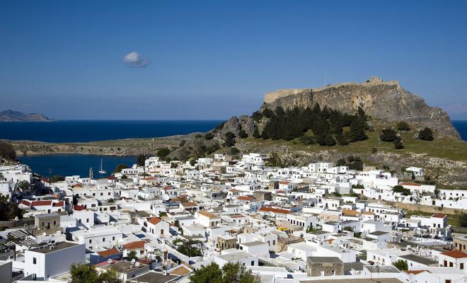 9e2b01286fb Неслучайно Гърция е сред най-препоръчваните и най-предпочитаните  туристически дестинации. Тя предлага исторически забележителности с  хилядолетна давност, ...