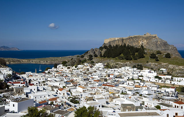 640px-Lindos_Village_Overview