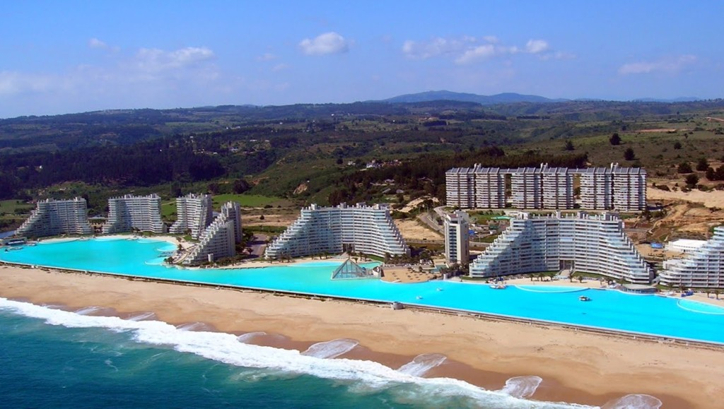 World's-Largest-Pool-The-Crystal-Lagoon-Chile-04-1024x579