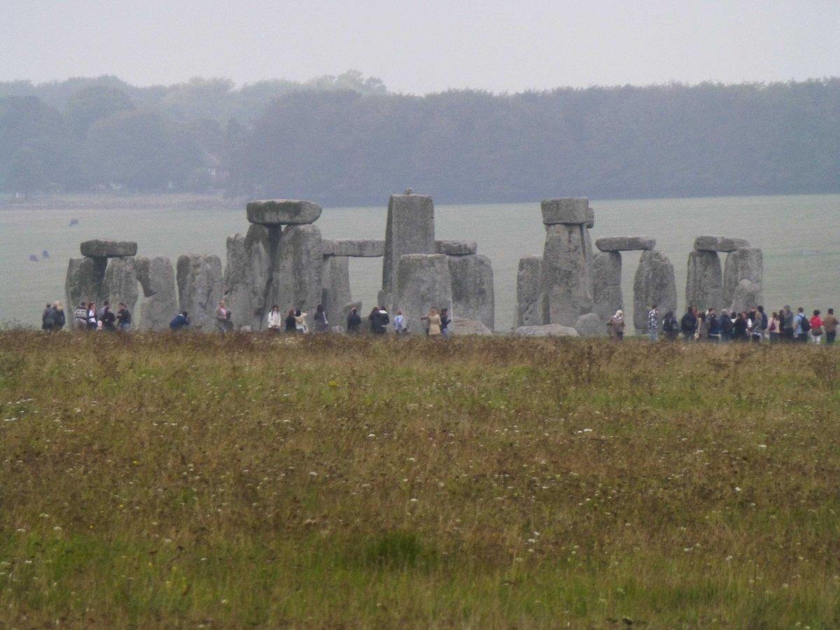 stonehenge-rainy