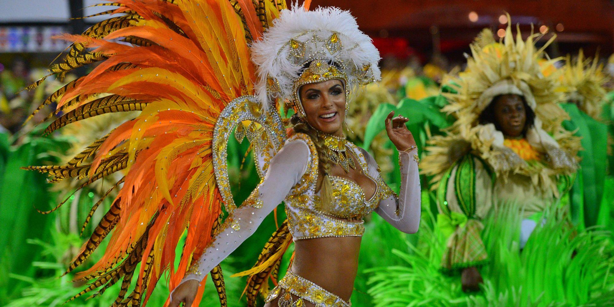 BRAZIL-CARNIVAL-RIO-PARADE-VILA ISABEL