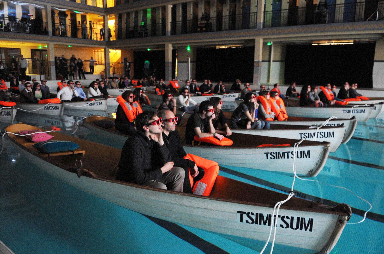 6-cinemas-interior-boat-cinema1
