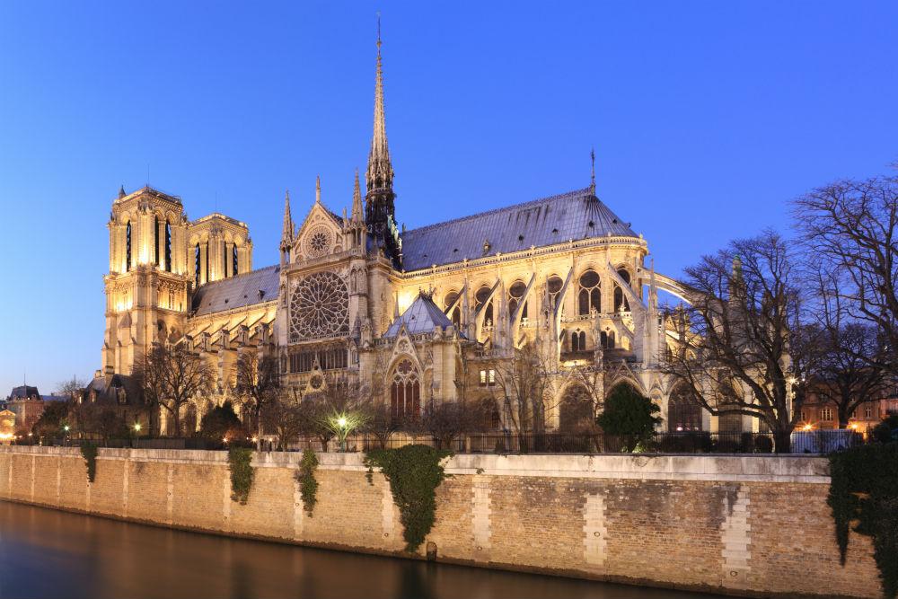 12_Paris_145648104