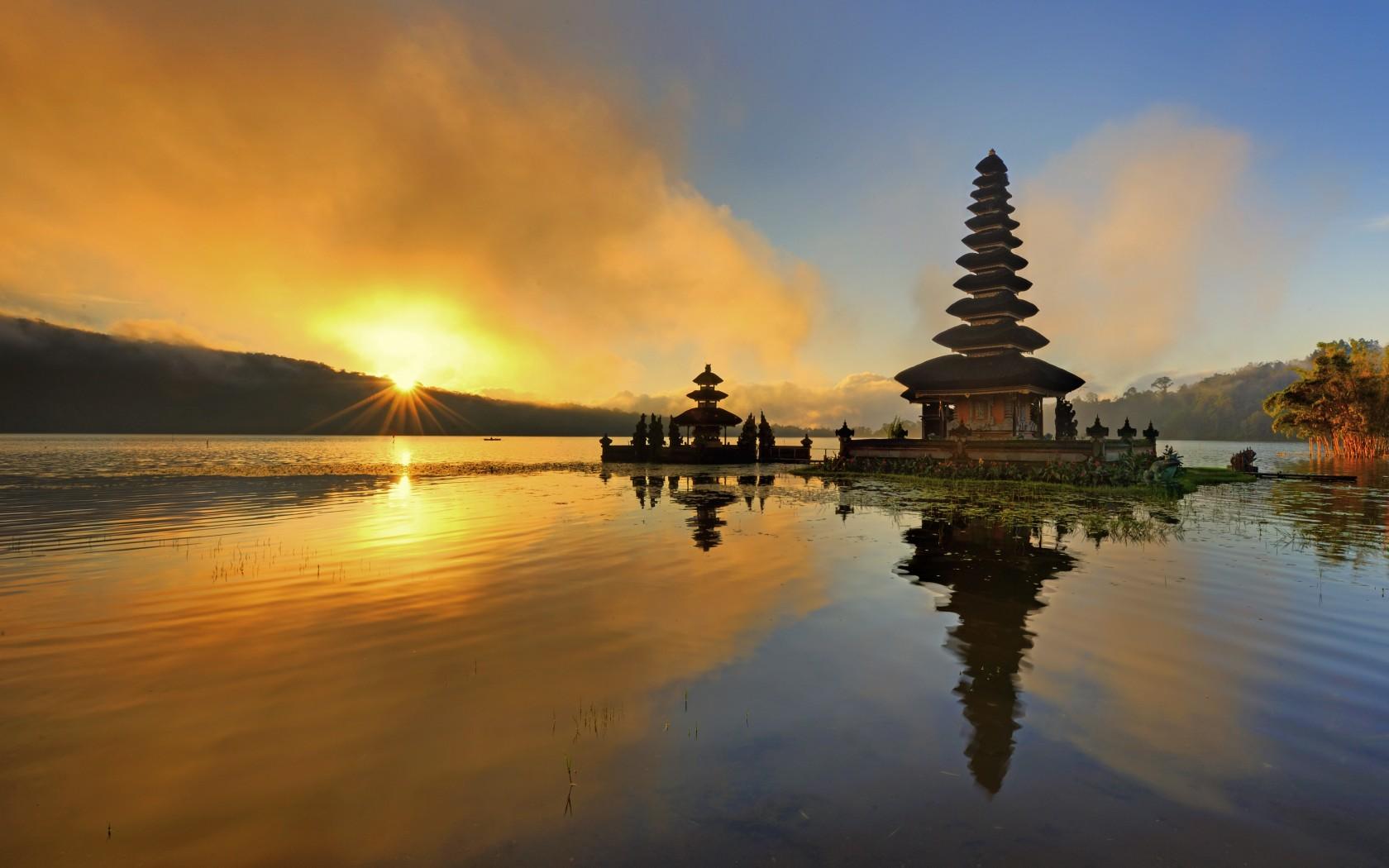 20_Bali_157140794-1680x1050
