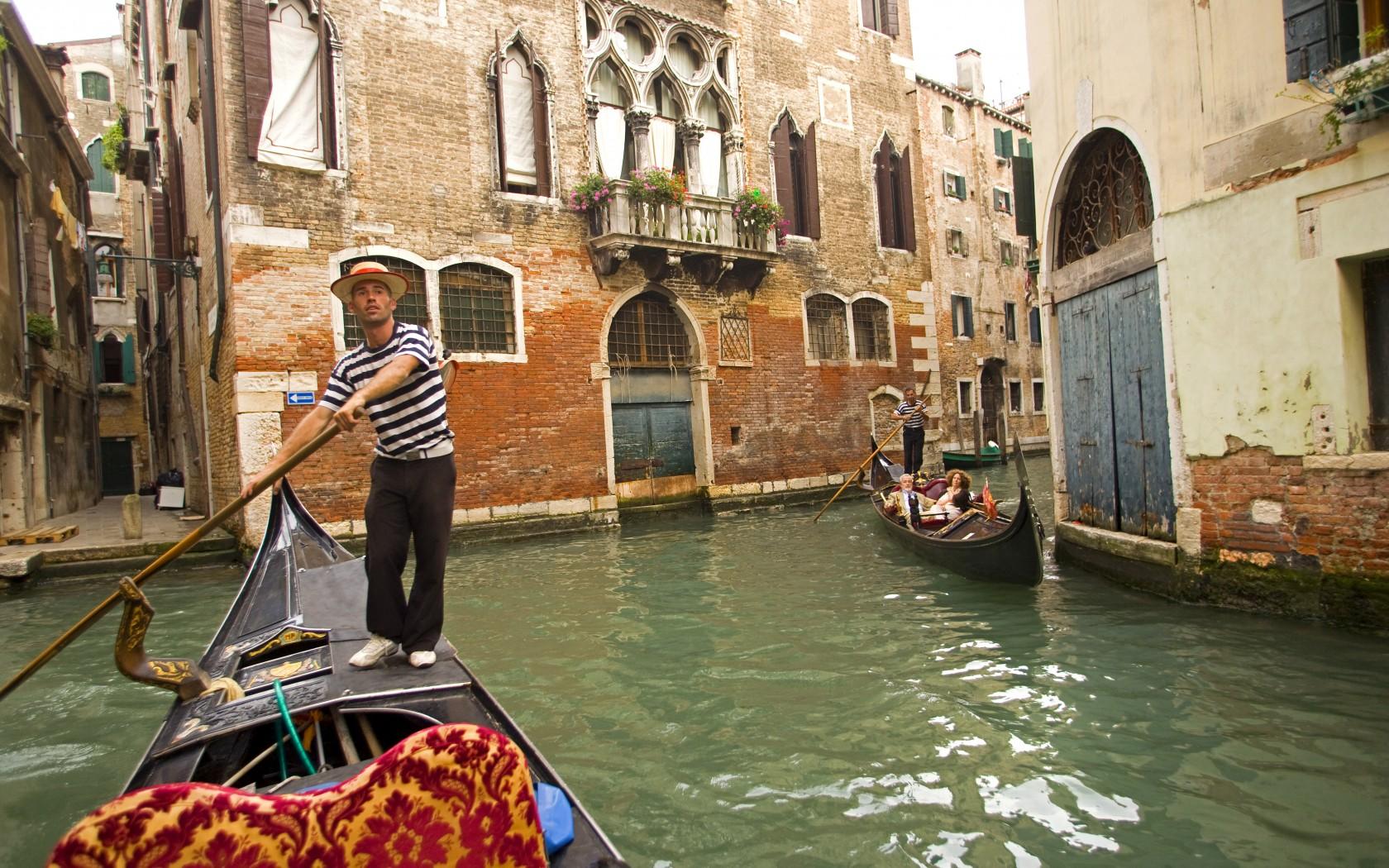 6_Venice_42-20240948-1-1680x1050