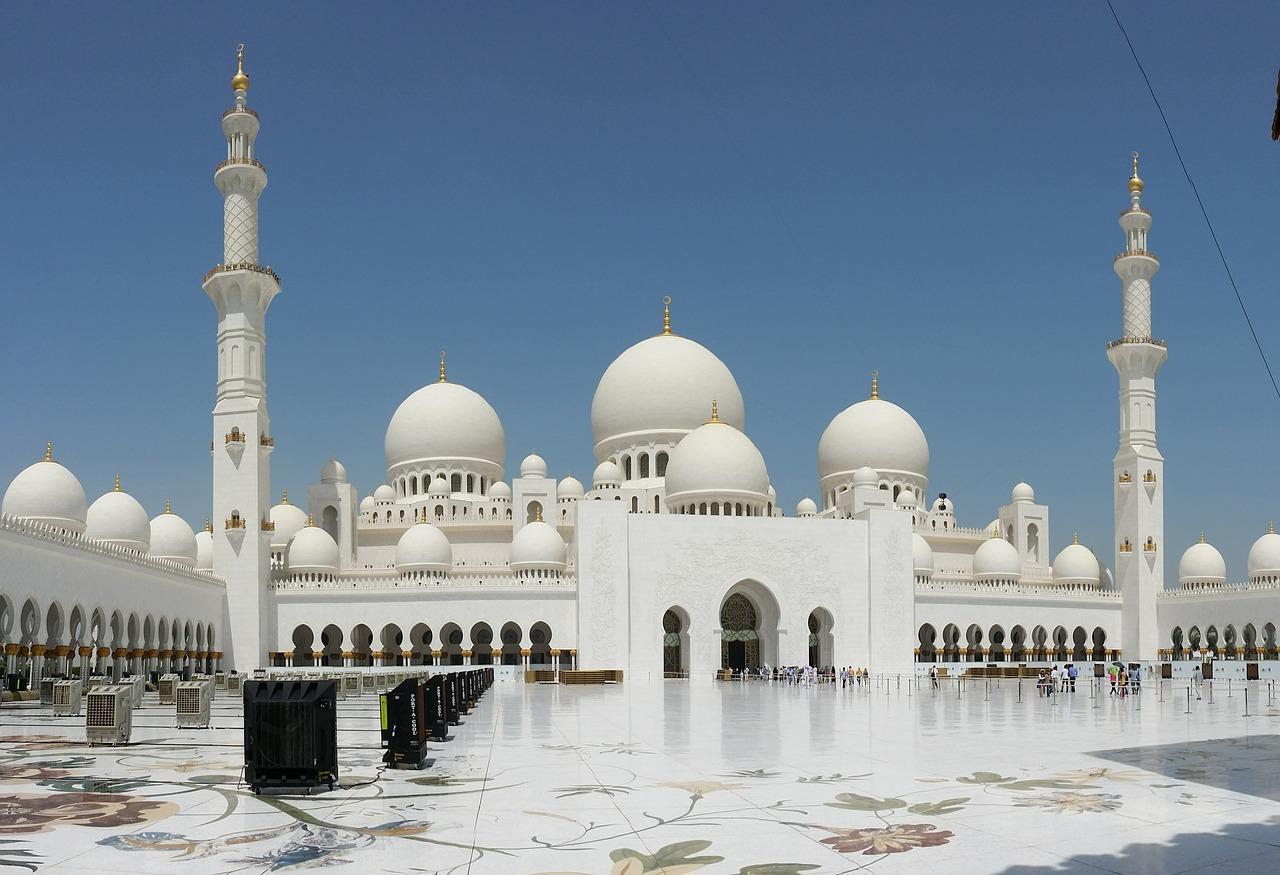 abu-dhabi-600875_1280