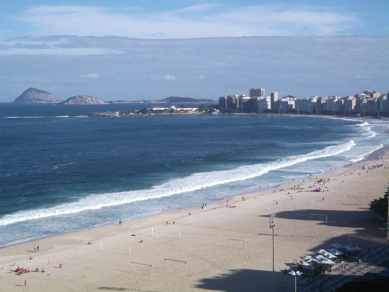 copacabana-beach-64030_1280