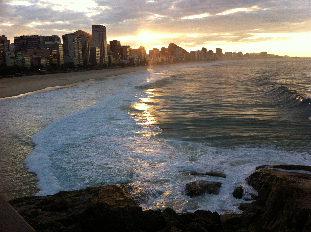 copacabana-beach-65598_1280