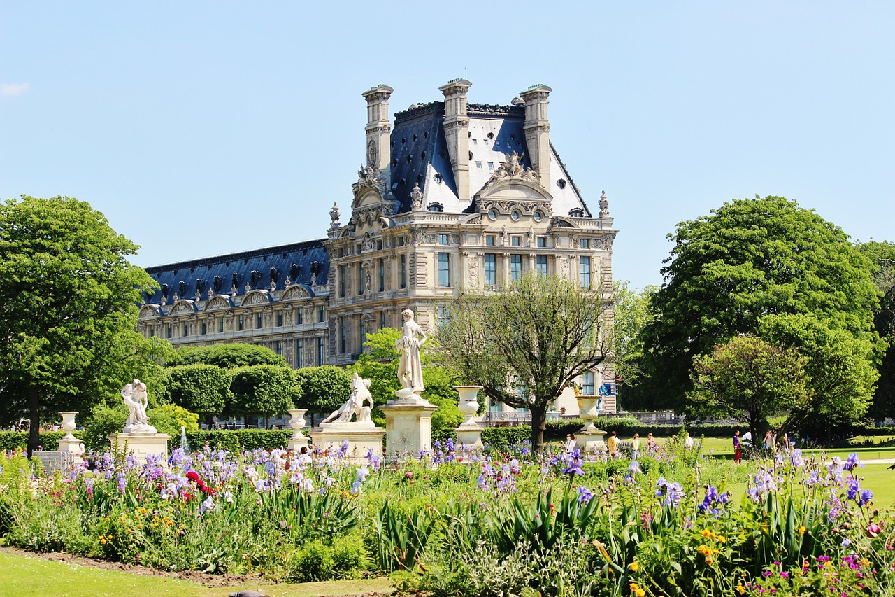 paris-341098_1280
