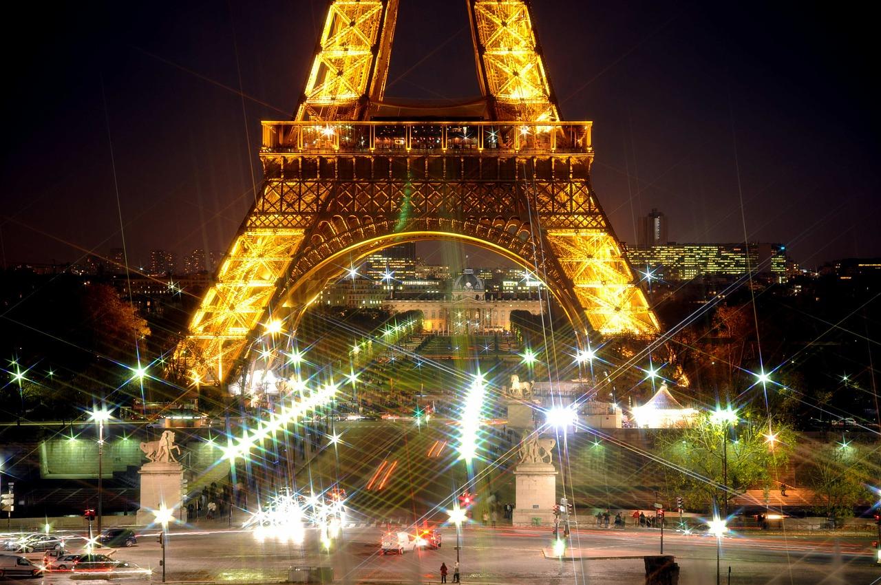 paris-eiffel-tower-569384_1280