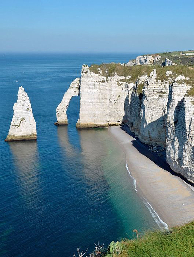 8Cliffs-of-Étretat-Normandy-France