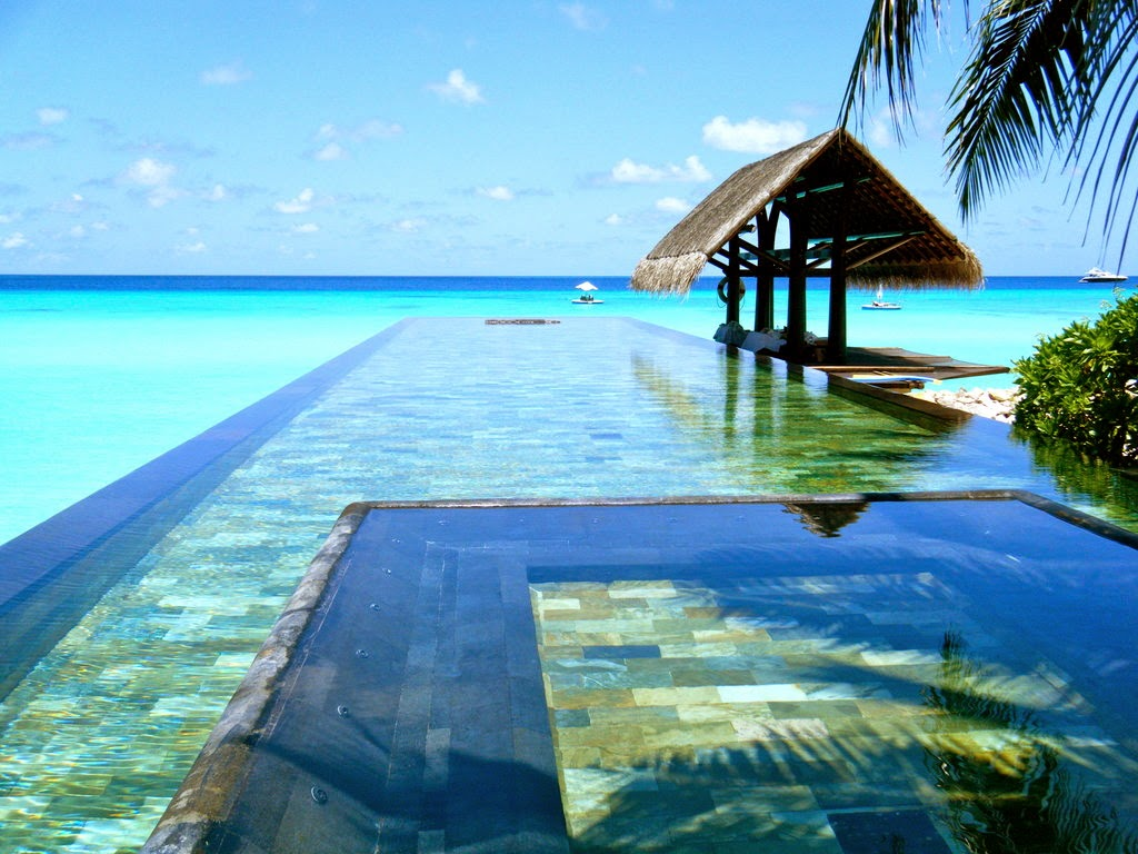 Paradise Island Resort & Spa, Малдивите