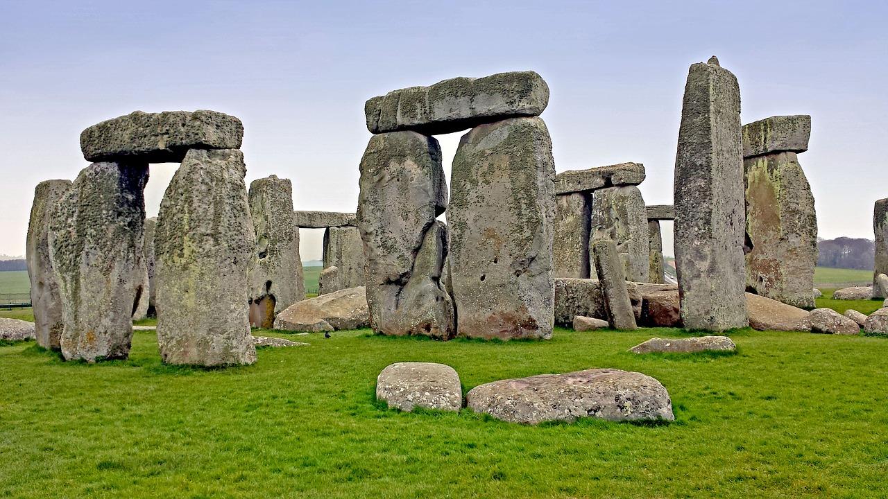 stonehenge-517151_1280