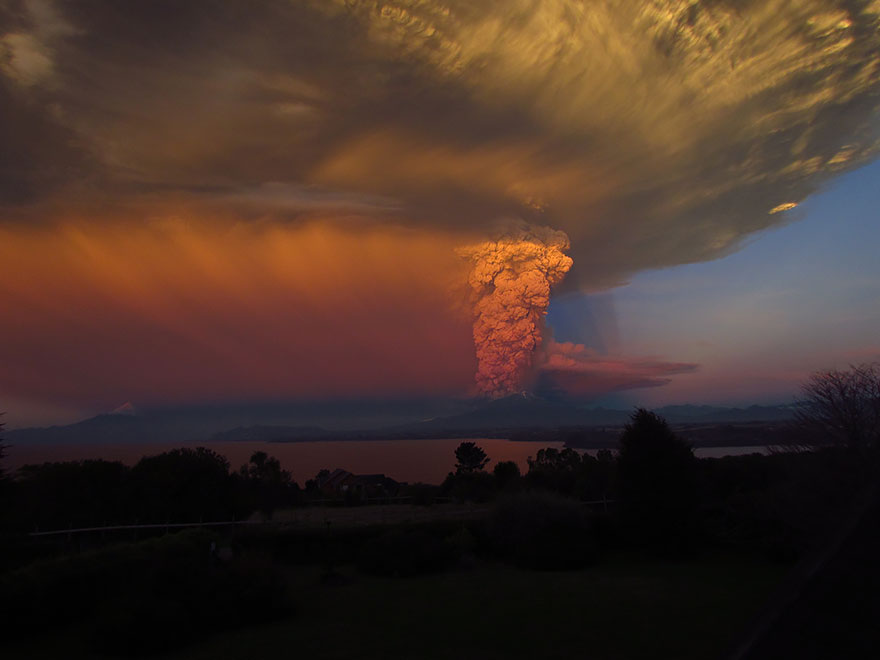 volcano-eruption-calbuco-chile-18__880