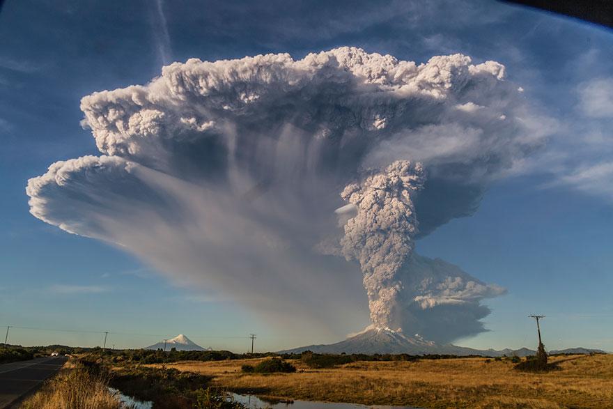 volcano-eruption-calbuco-chile-8__880