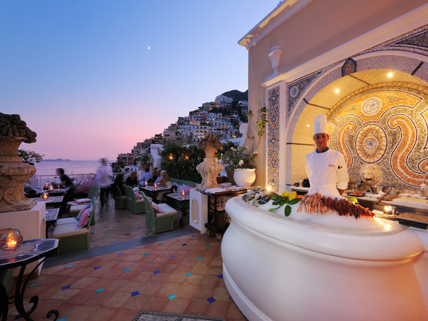 15_rooftop-hotel-champagne-and-oyster-bar