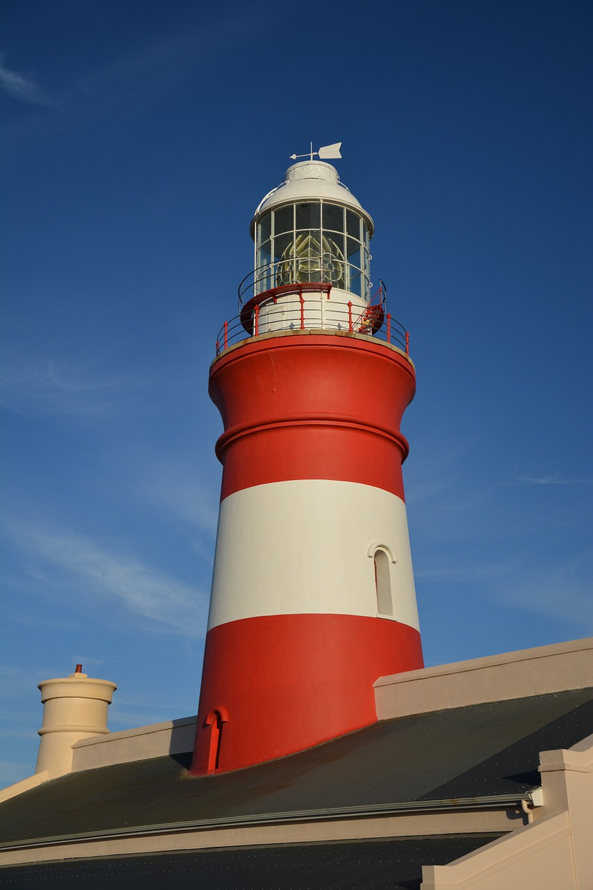 lighthouse-714963_1280