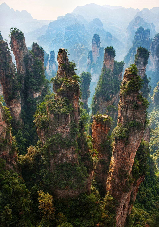 16-Zhangjiajie_national_park_China_01