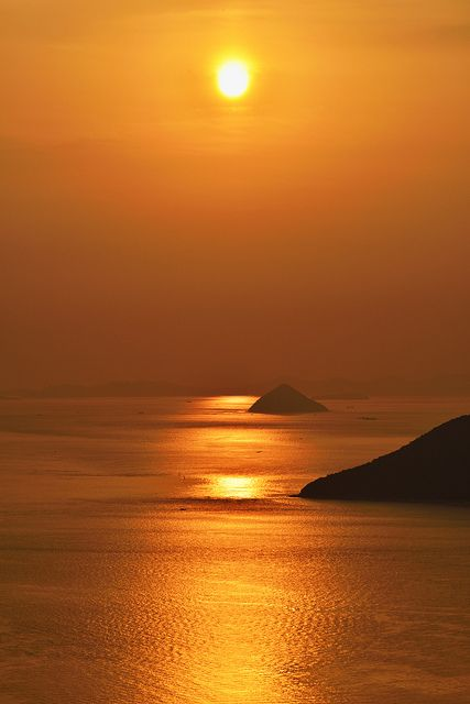 19Sunset-in-Seto-Inland-Sea-Kagawa-Japan