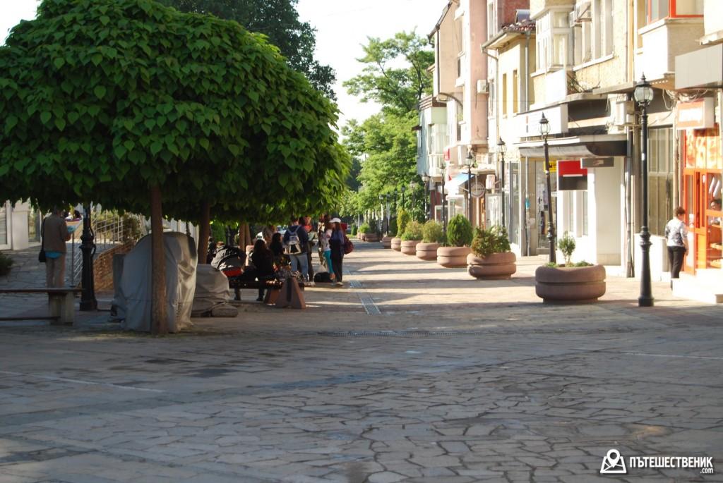 Karlovo-centralna-ulichka