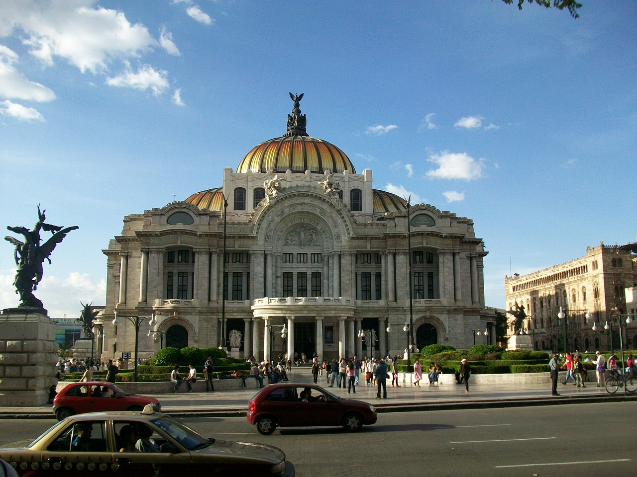mexico-city-fine-arts-649347_1280
