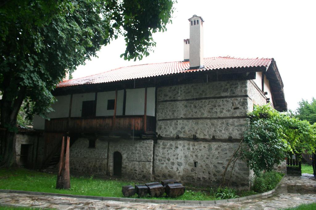 Casa-Museo de Neofit Rilski - 01
