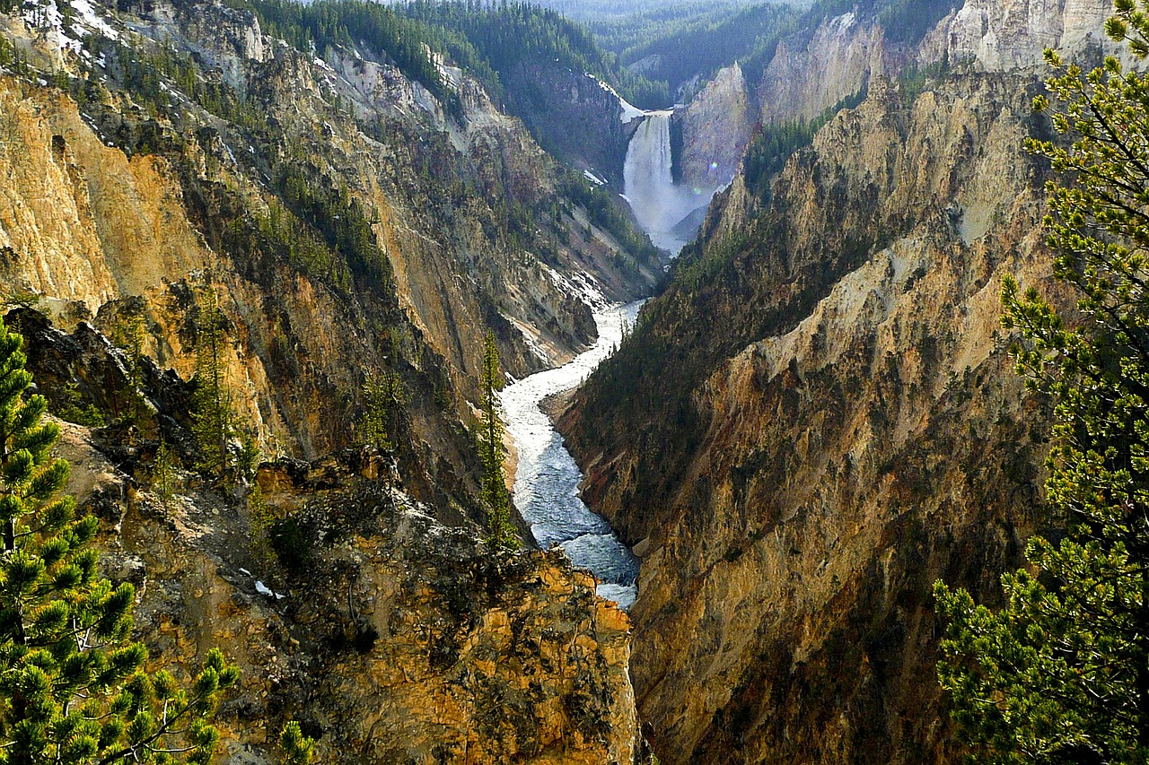 yellowstone-river-258591_1280