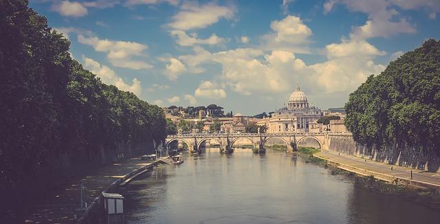 Безброй много са причините, които всеки от нас може да посочи защо италианската столица е сред най-посещаваните дестинации в световен мащаб.