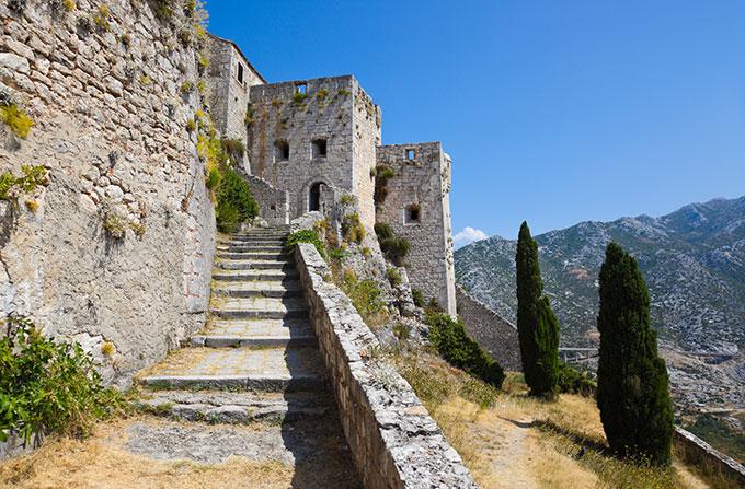 16-klis-fortress-split-croatia-101148776