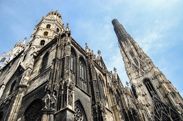 В класацията на най-посещаваните европейски градове Виена е в Топ 10, а в световен мащаб заема 17-то място.