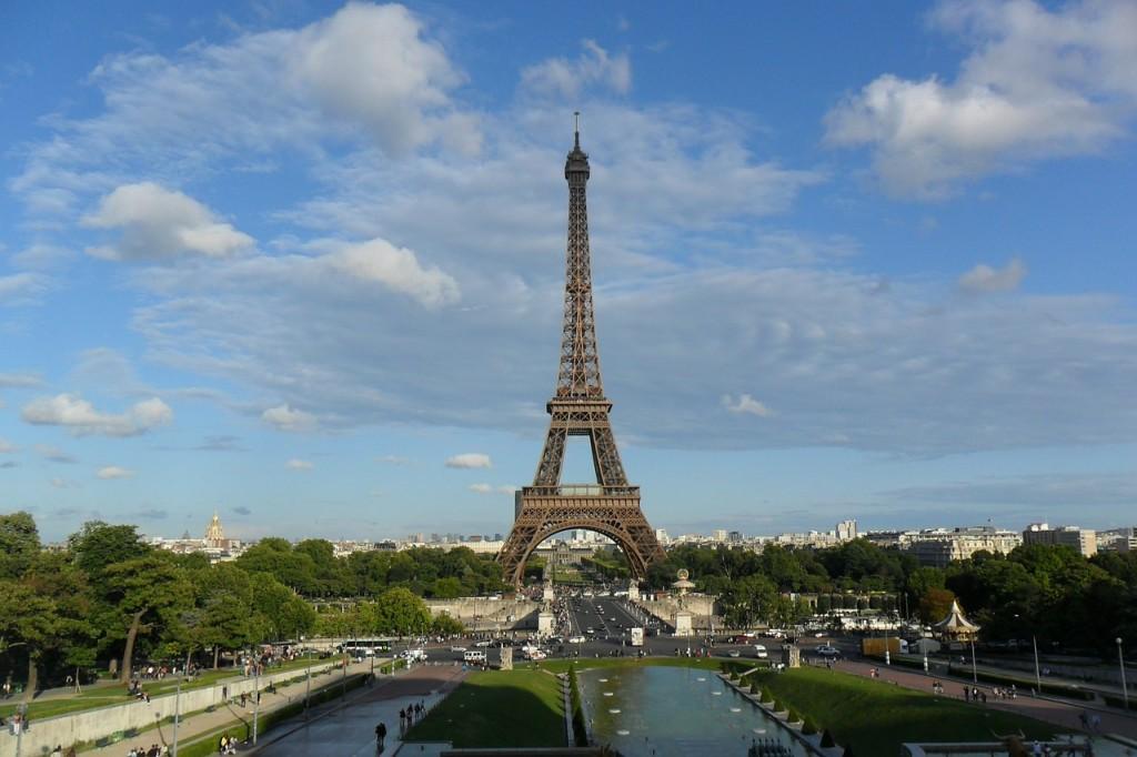 8-eiffel-tower-498378_1280