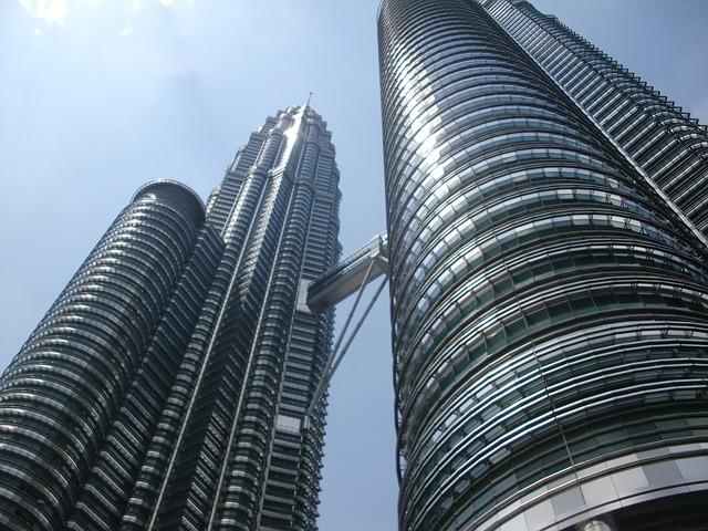 В азиатския списък с дестинации е на 3-то място. Новото строителство и новият облик на града го наредиха след Банкок и Сингапур.
