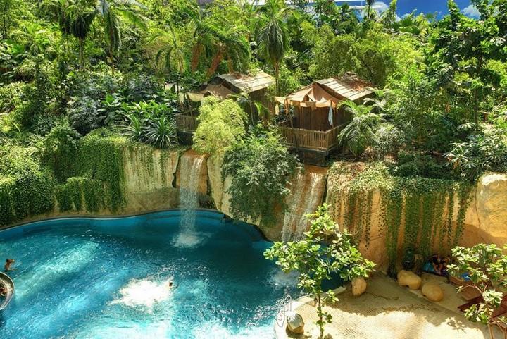 Tropical_Islands4