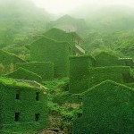 Светът без нас: изоставено село в Китай, превзето от природата