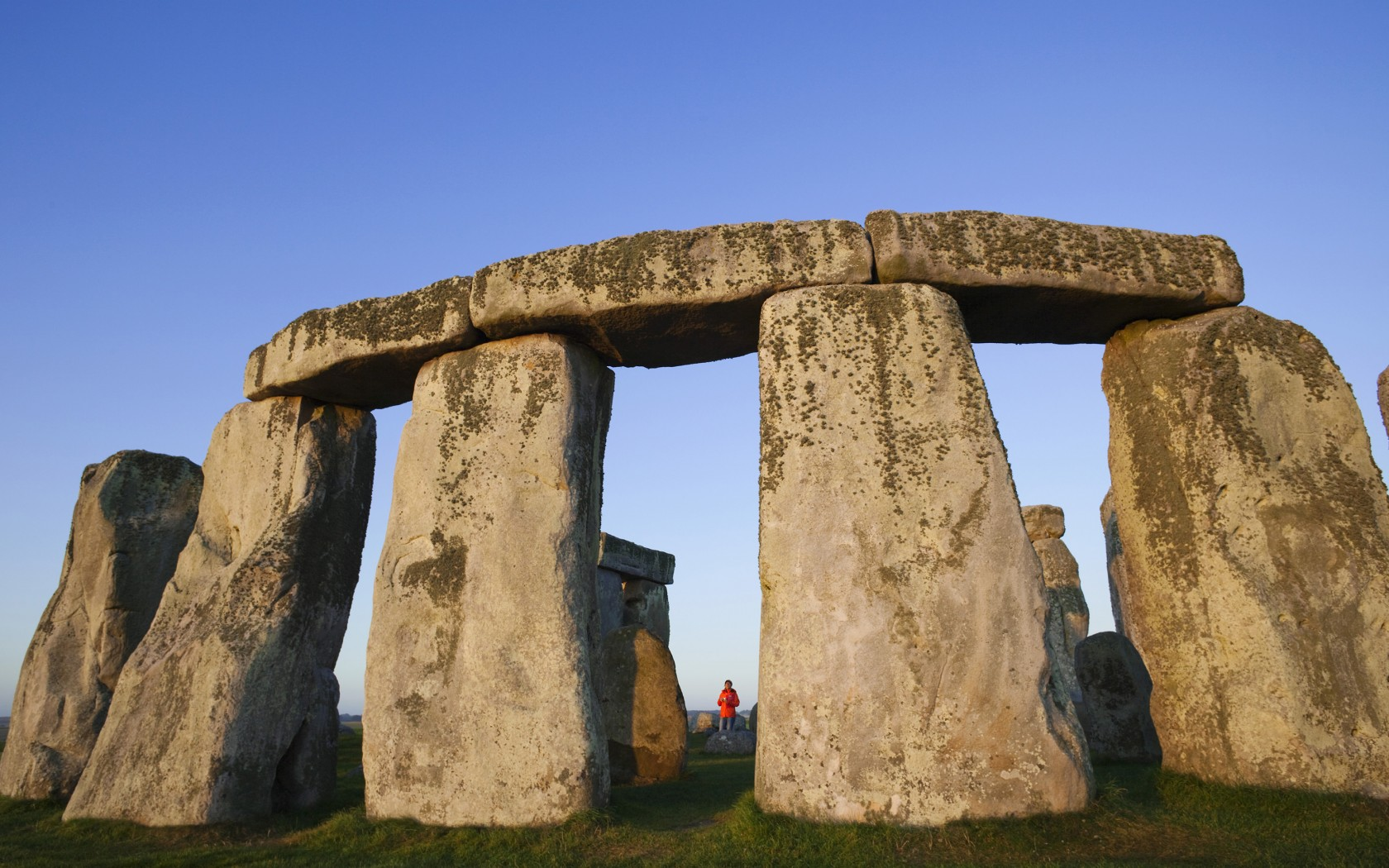 13Edited-Stonehenge-AWL_TPX13393-1680x1050