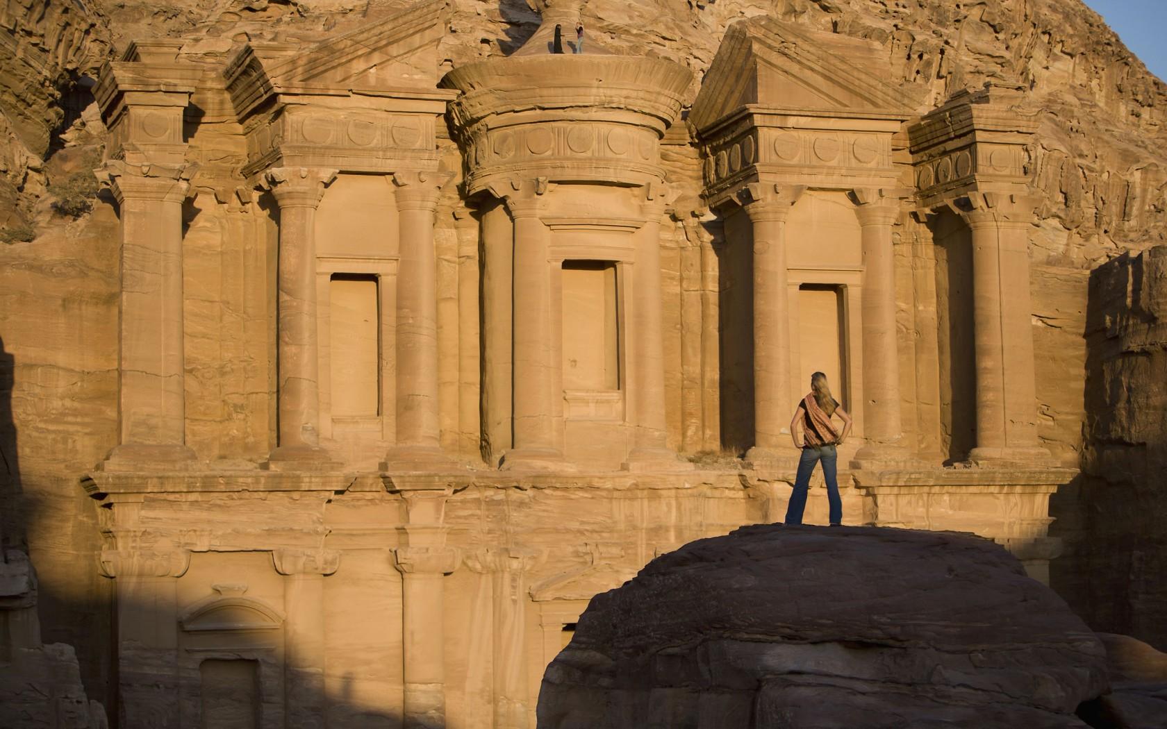 18Overs-Petra-Jordan-rexfeatures_3335350a-1680x1050