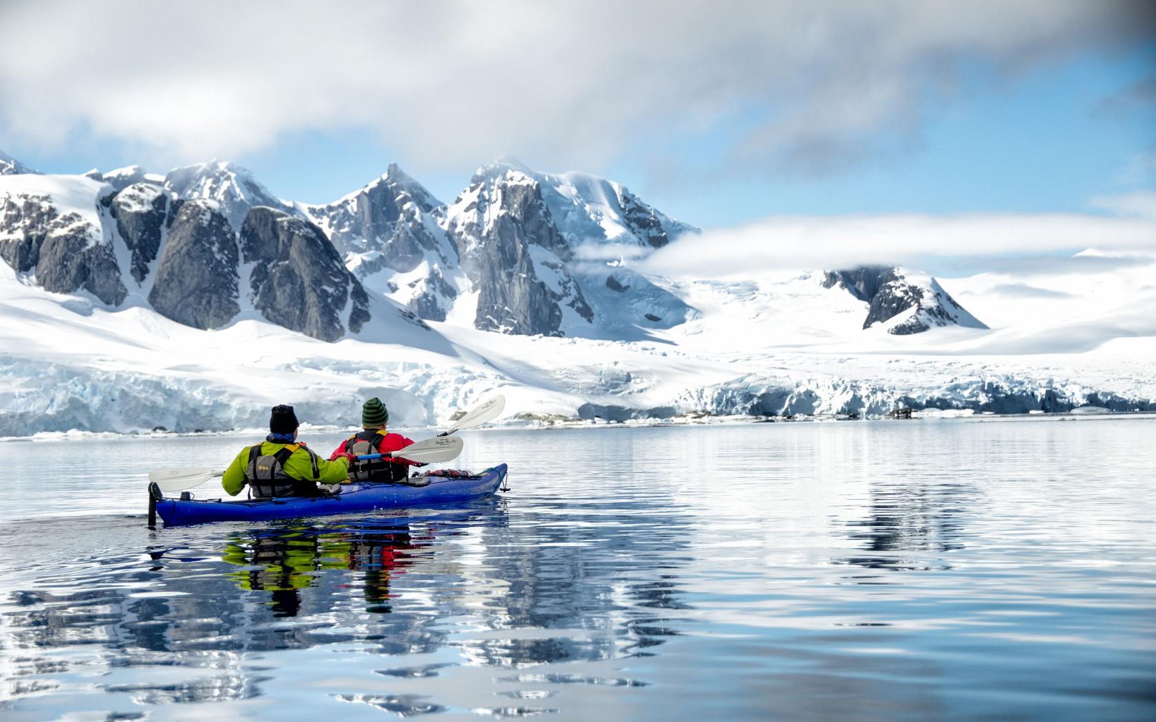 3Edited-Antarctica-DNY8YE-1680x1050