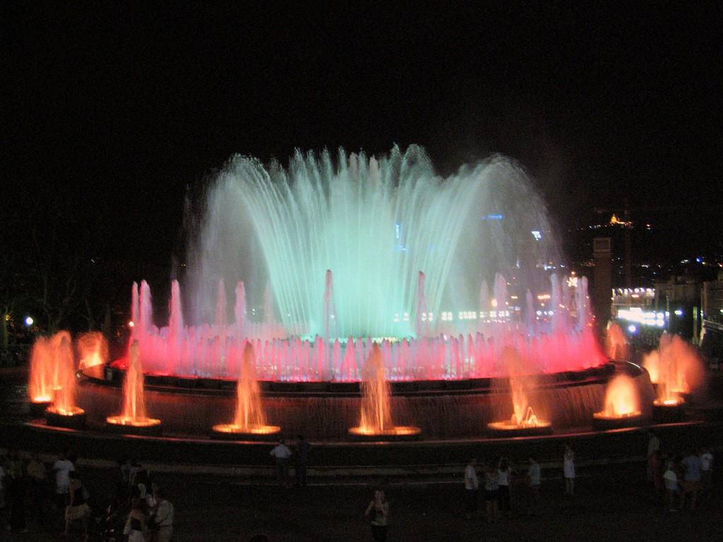 3Magic_Fountain_of_Montjuic_Barcelona-1024x768