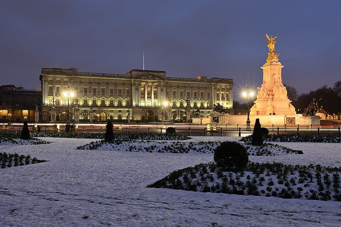 890.-Buckingham-Palace-in-Winter