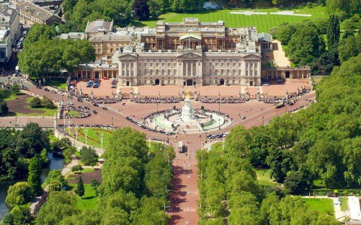 buckingham-palace_2275352k-718x449