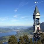 Спираща дъха гледка от асансьор в Швейцарските Алпи