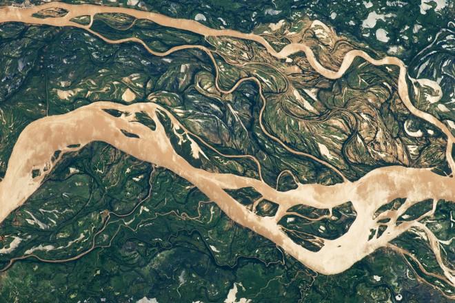 10. Река Параня и нейните притоци, които се извиват като змии из цяла северна Аржентина