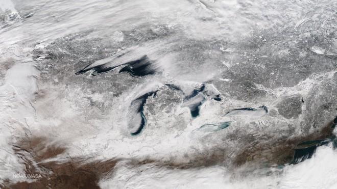 13. Снегът навява хладно настроение в района на Големите езера в Щатите